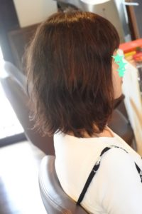 伸ばしかけの跳ね始めたあなたのイライラ髪に試してほしい髪型 2選