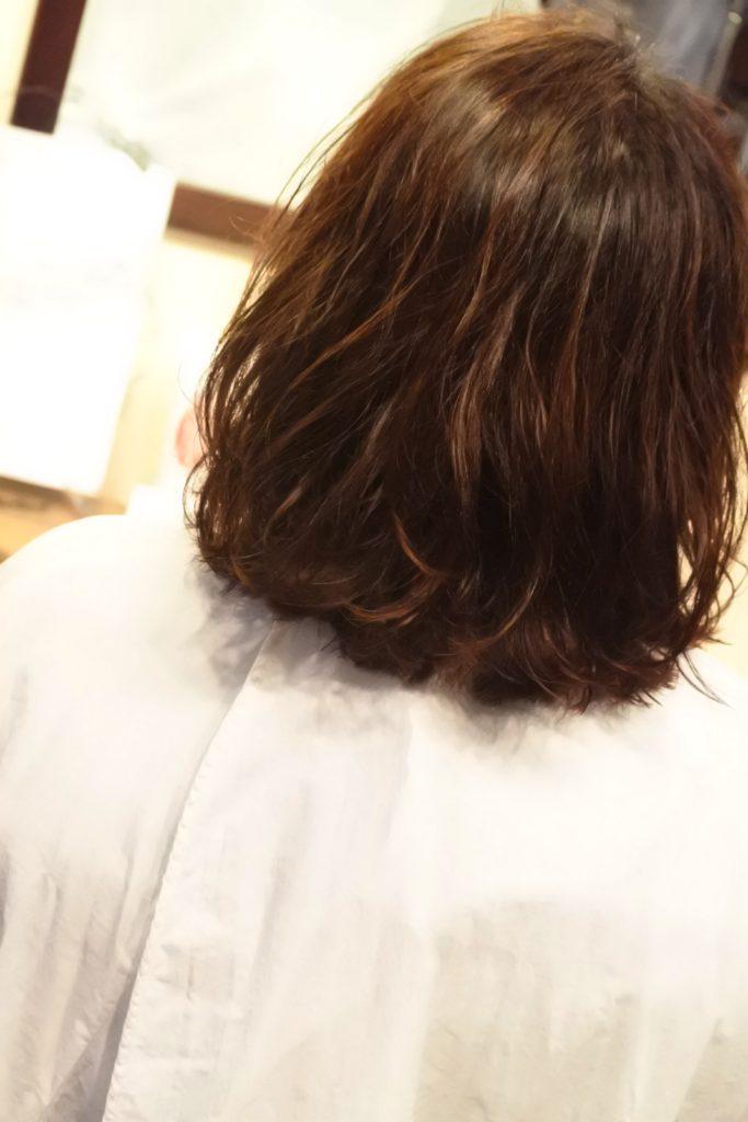 オイルだクリームだを付けても髪がパッサパサのくせ毛のあなたへ、お試しください